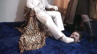 ruler couple humiliate joschi in fun palace