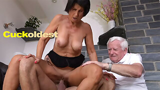 Old Stud Licks Cum off His Wife Yetta