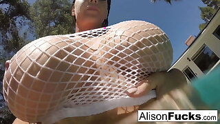Chesty Alison Tyler takes a tub and rubs herself down