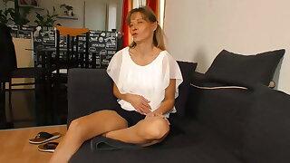 1 x Casting Couch - Schafft er die Granny Maus ?