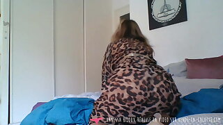Vends-ta-culotte - French Honey Does Striptease in Bedroom