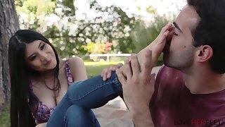 Breanna Sparks warm foot fetish porn