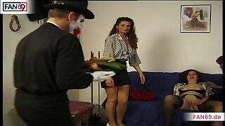 FAN69 - Unbefriedigte Hausfrau braucht Hilfe