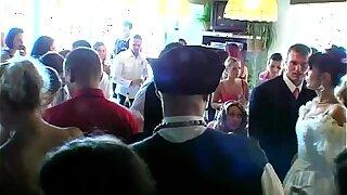 Wedding sluts are boinking in public