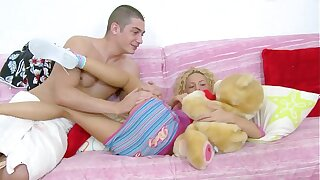 X-Videos spezial: Small Anal Teenie Girl Alina
