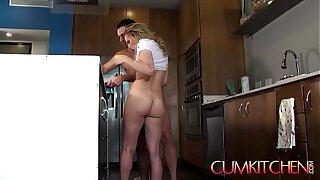 CUM KITCHEN: Sexy Blondie Teen Aubrey Sinclair gets Fucked while cooking Fajitas