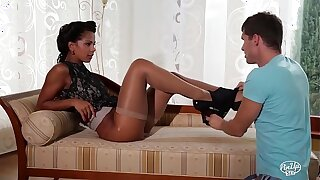 VIP SEX VAULT - Lewd fucking with beautiful Czech pinup girl Isabella Chrystin