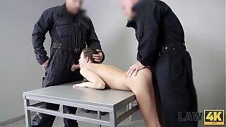 LAW4k. La fantastic traficante de drogas Cindy Shine es doblemente penetrada por todos sus crímenes