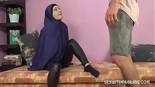 Horny Muslim woman was caught while witnessing porno
